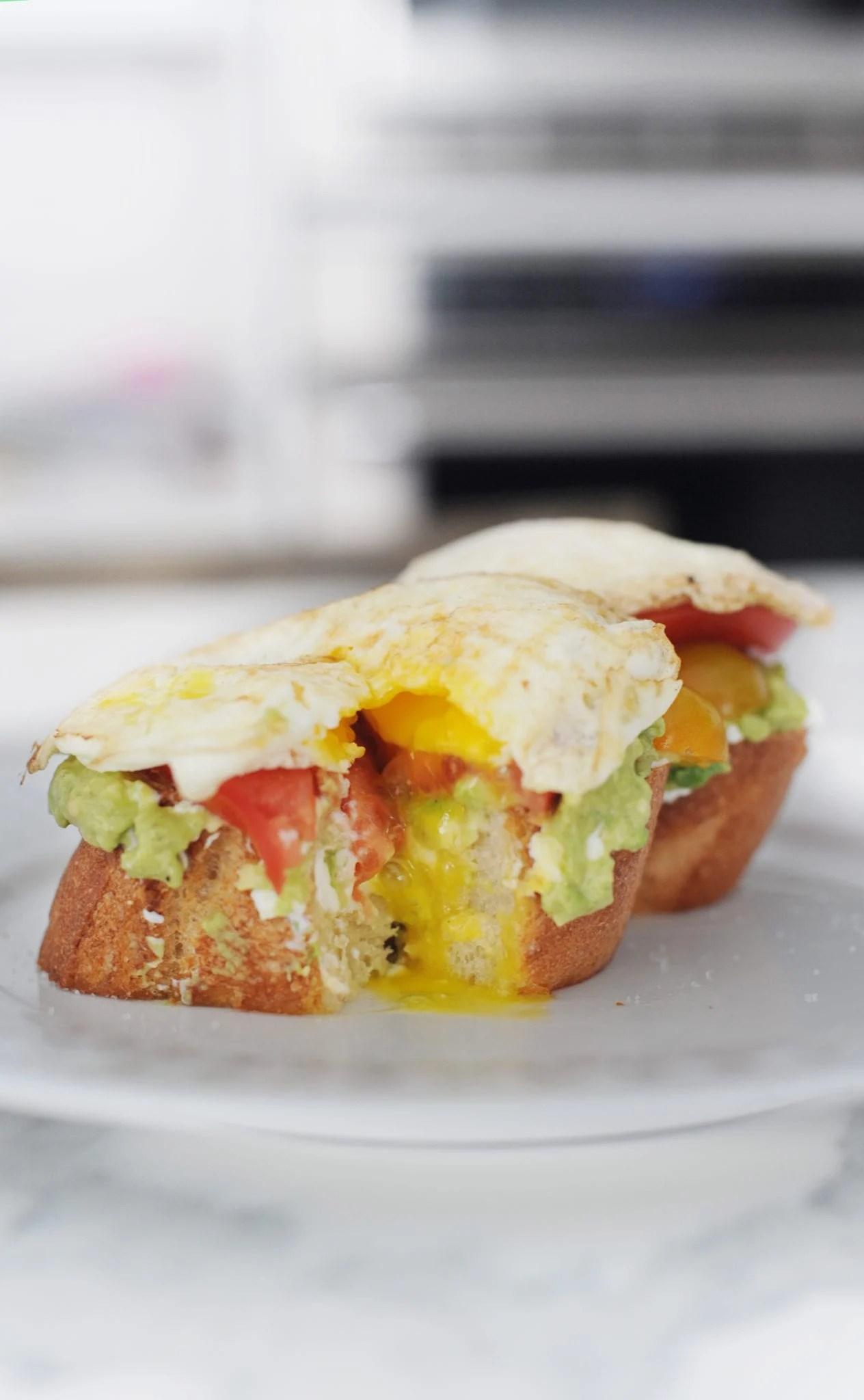 avocado toast with egg