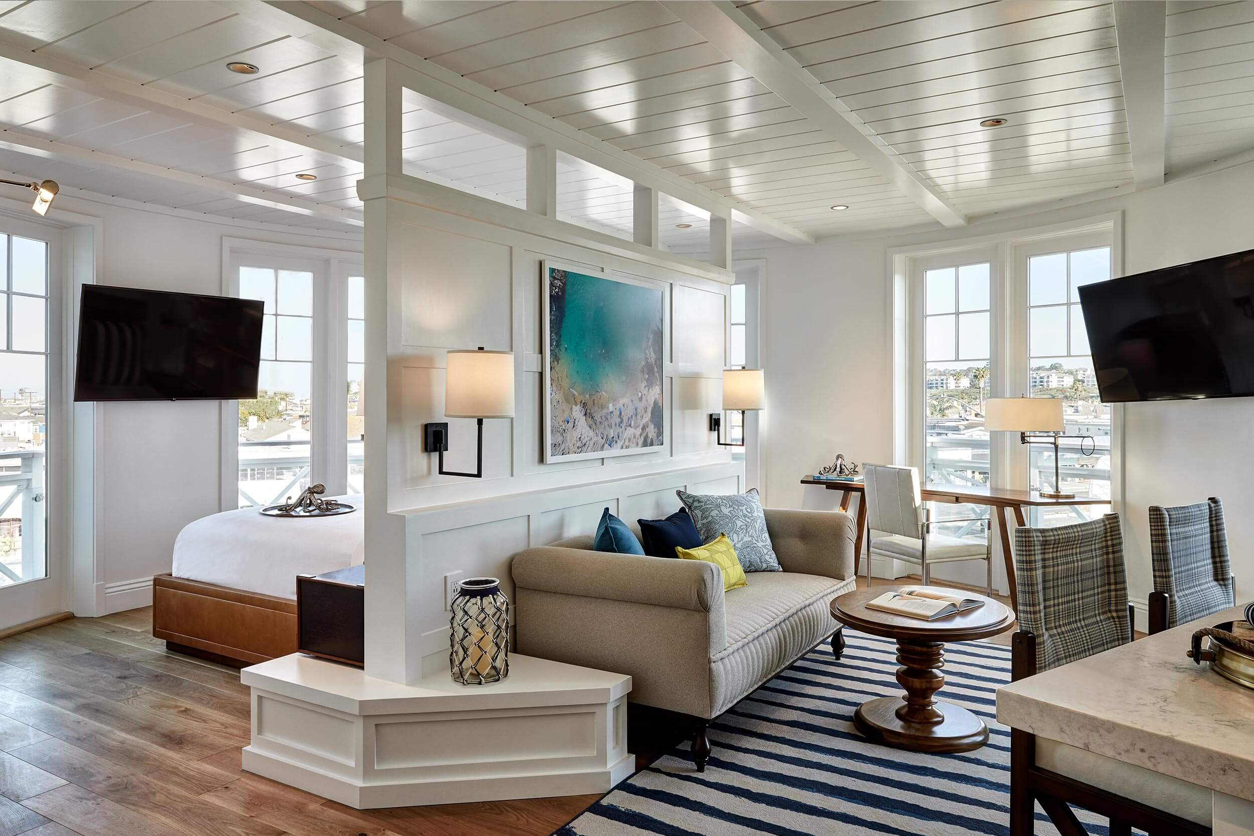 Beautiful Modern Coastal Design Ideas for Living Rooms ...
