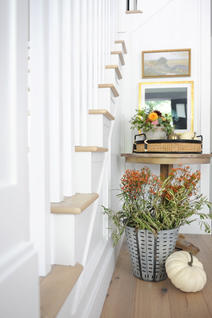 Pretty Fall Entryway Decor Ideas