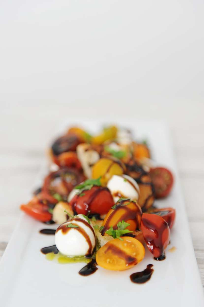 Easy burrata and heirloom tomatoes appetizer recipe