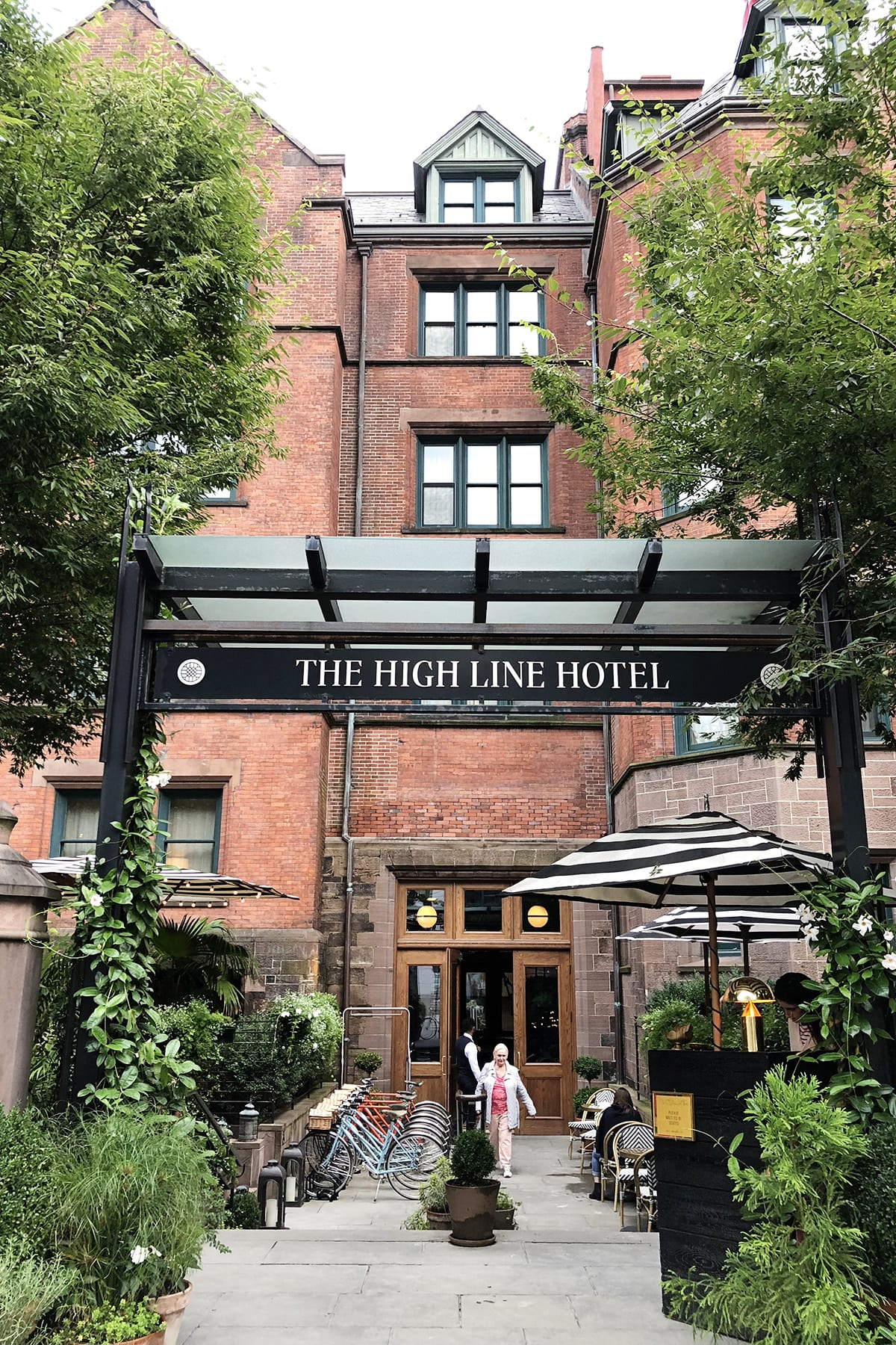 Prettiest Luxury Boutique Hotel in Chelsea NYC The High Line Hotel
