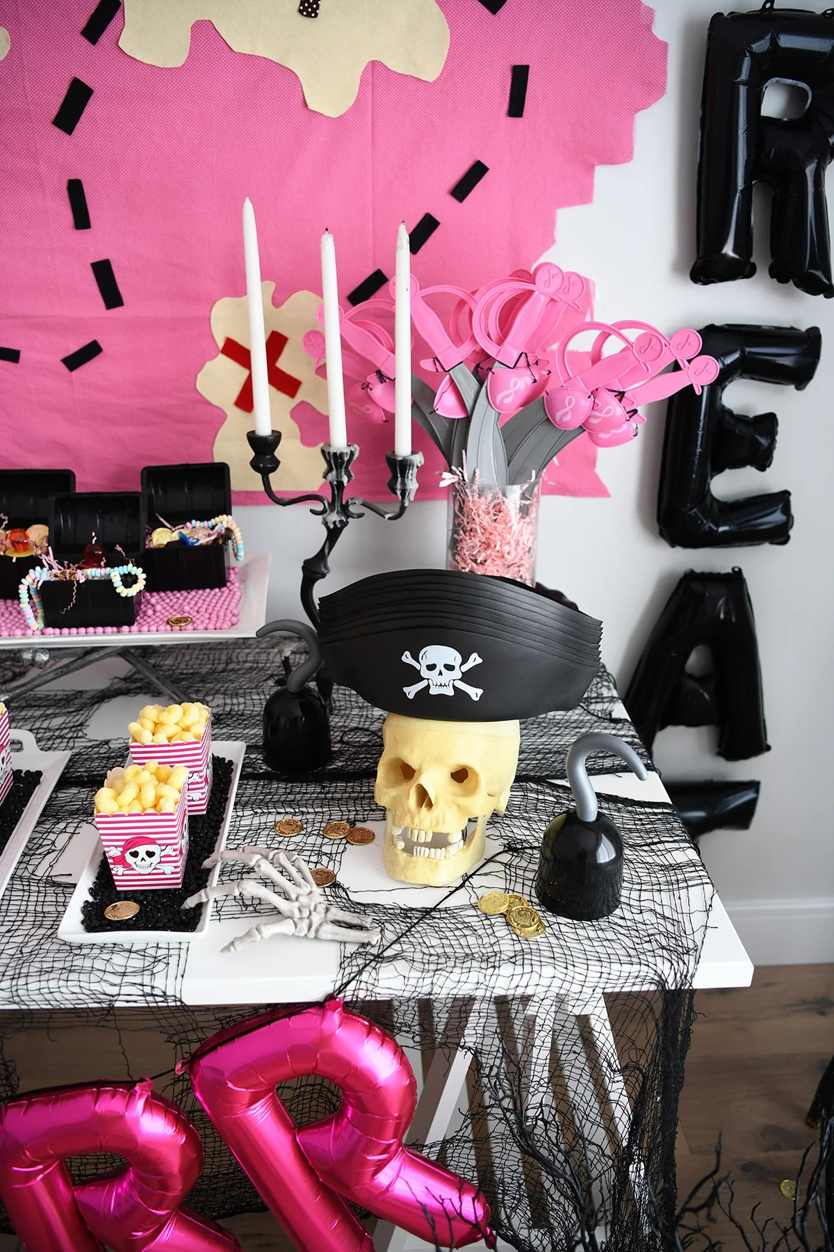 Pirate halloween decorations 2 1