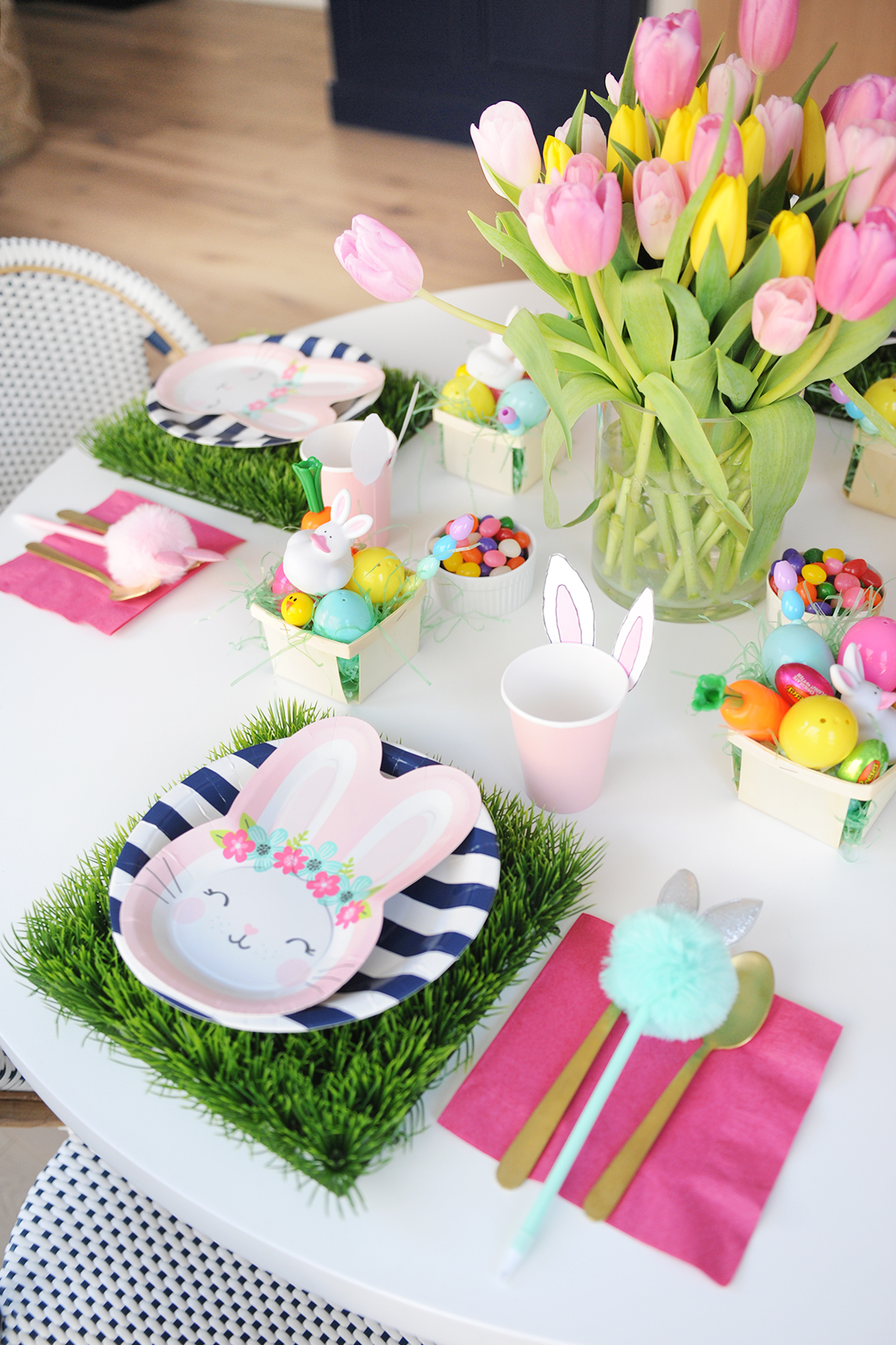 easy Easter brunch Kids table decorating ideas
