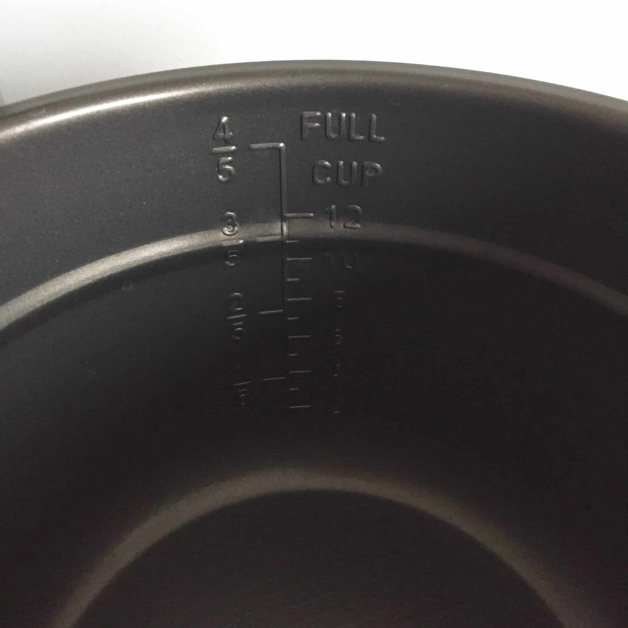 Easy to read measurements in the cooking pot of the Bella Electric Pressure Cooker