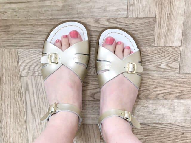 Too big Classic Gold Salt-Water Sandals