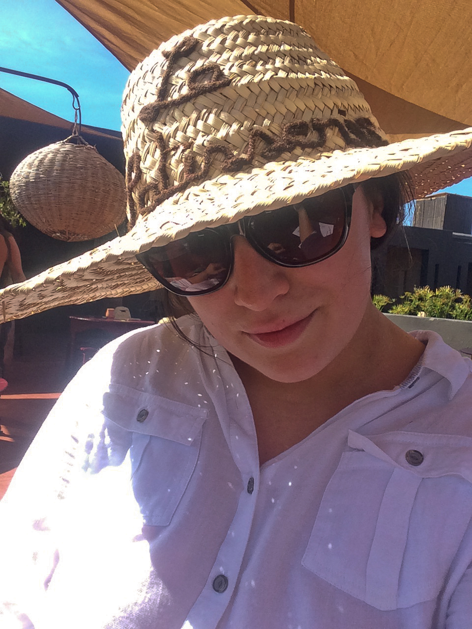 pinkschmink selfie wearing embroidered sun hat at Terrasse des Epices, Marrakech