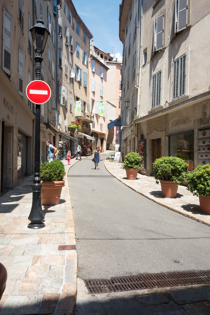 Streets winding uphill in Grasse