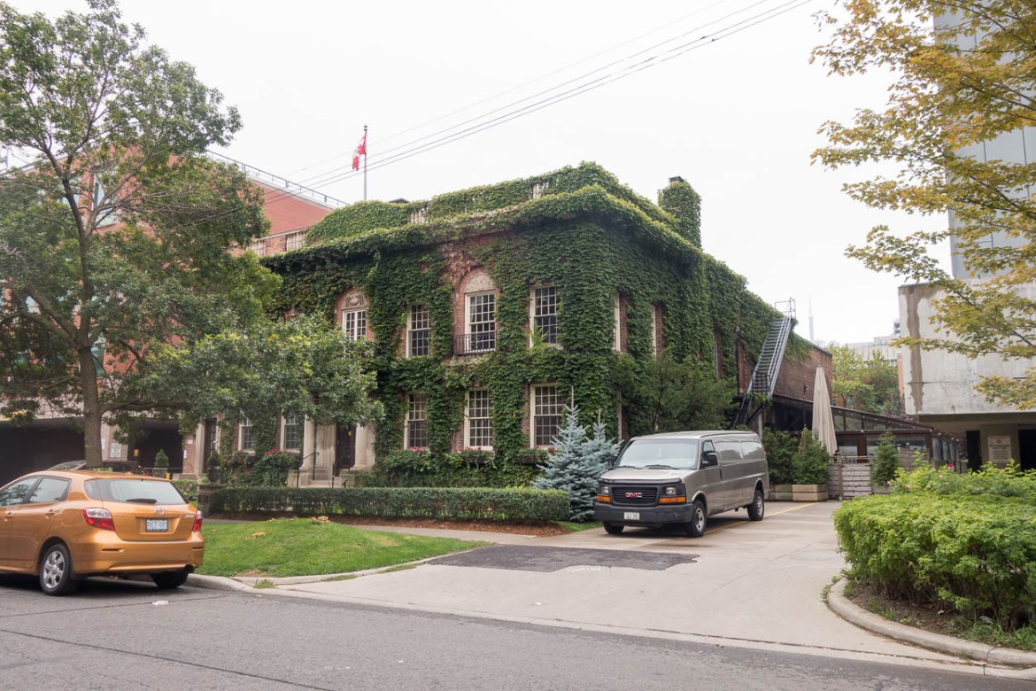 Ivy-covered building, University of Toronto