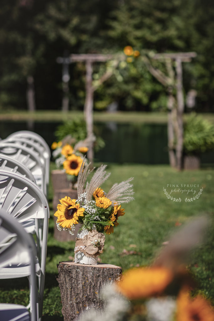 Rustic and Vintage Southern Inspired Wedding | Photography by Pink Spruce Photography