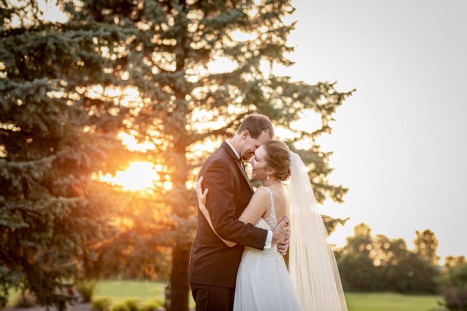 How Many Hours of Wedding Photography Do you Need.  Here's How to Figure it Out by Pink Spruce Photography.