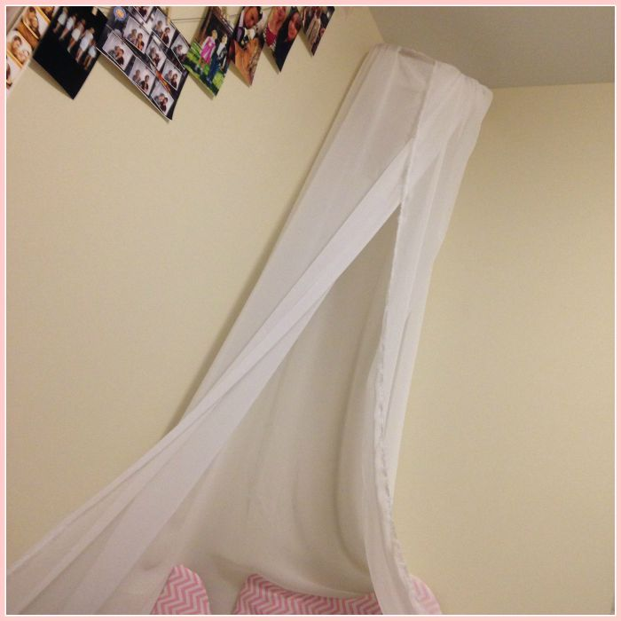 DIY dorm room decor canopy
