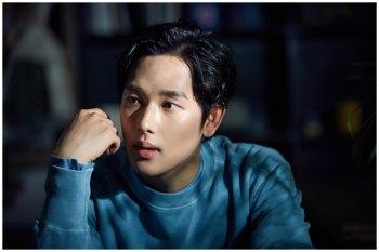 【韓劇】任時完確定於7月11日以現役兵入伍。接下來只能通過《戀愛中的王》看見他了。