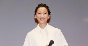 「想好好考慮」杏在丈夫不倫騷動後首度現身公開場合。