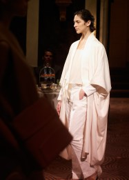 the-row-rtw-ss2013-runway-05_230930459878