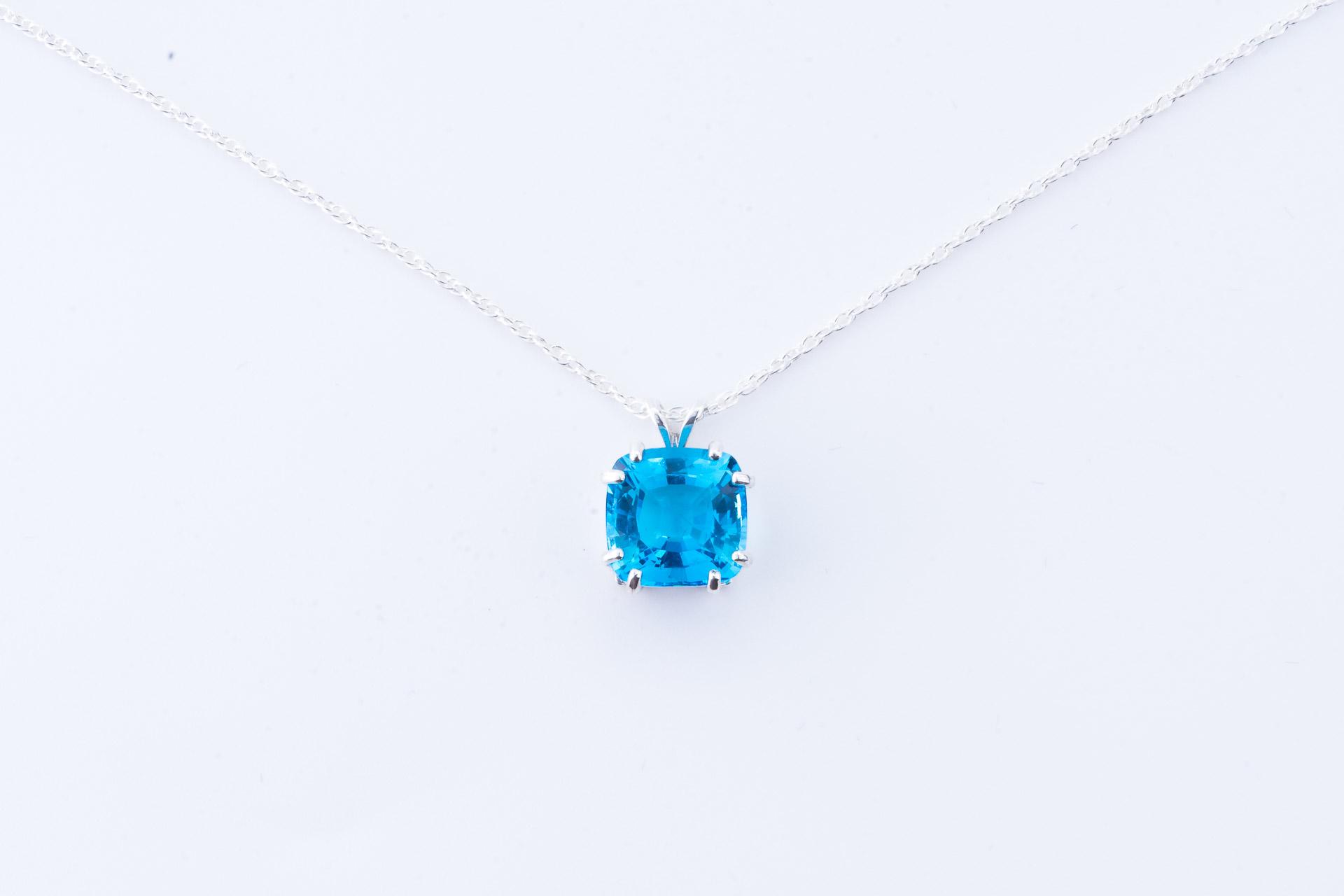 Swiss blue topaz pendant pinnacle 5 minerals swiss blue topaz pendant mozeypictures Images