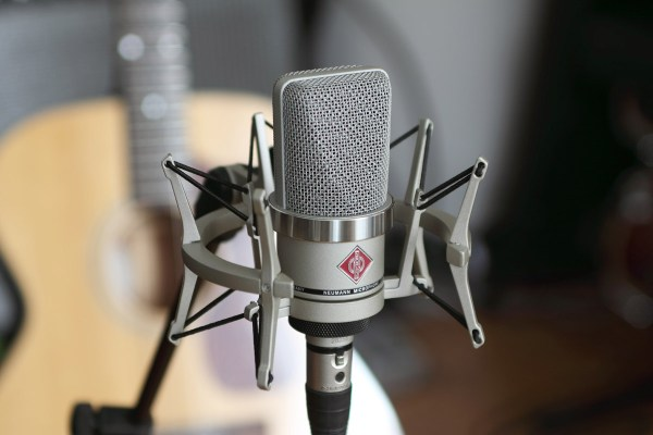 x1 TLM 102 With Shockmount Acoustic Guitar G