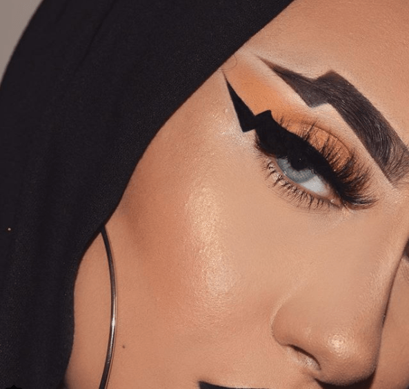 Lightning Brows Are Going to Be a Thing This Holiday Season