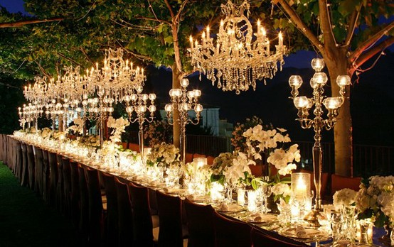 4 Unique Ways to Light Up Your Night Time Wedding