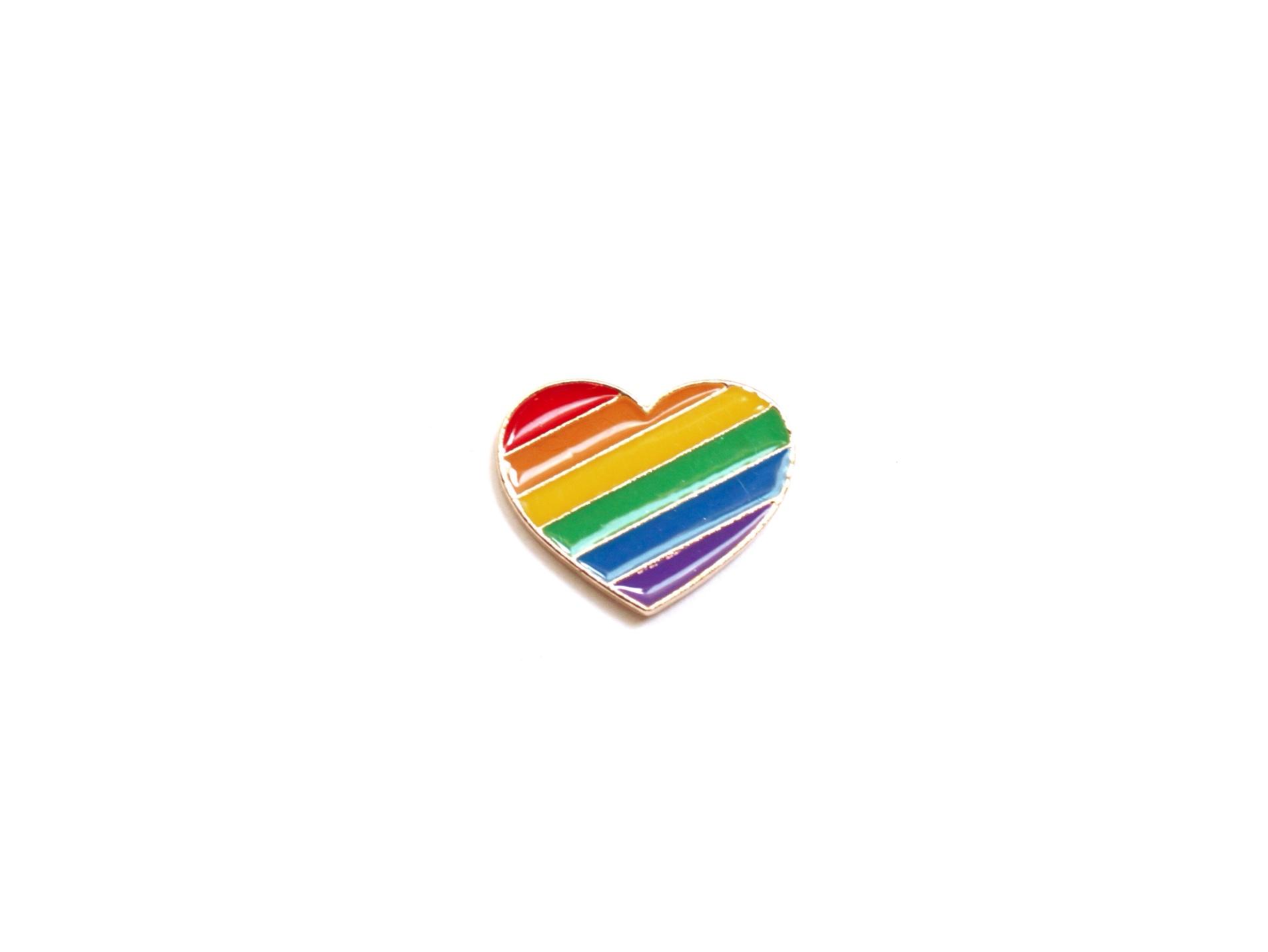 pin's gay pride coeur