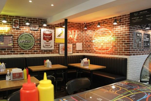 east-231-street_restaurant (19)