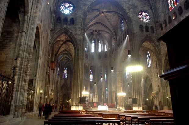 Catedral_de_Girona_-_Nau_central