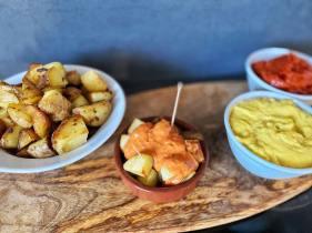 patatas-bravas-tortillas (48)
