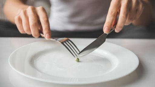 Kenali Gejala dan Penyebab Bulimia Sejak Dini