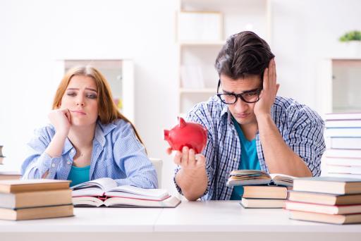 Apa Saja Kebiasaan Buruk Mahasiswa yang Bikin Boros?