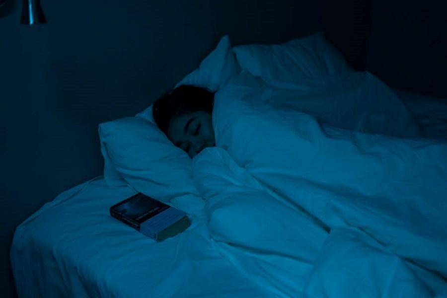 Manfaat Membaca Sebelum Tidur Untuk Kinerja Otak