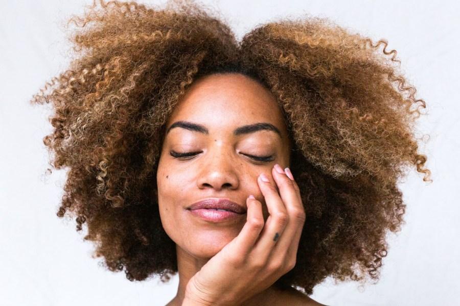 Cara Memilih Produk Skincare untuk Kulit Berminyak