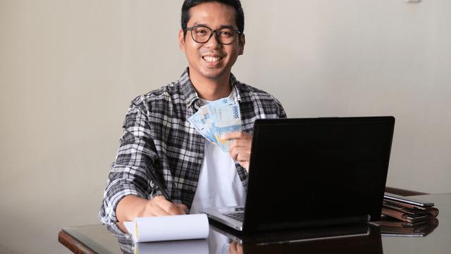 Dalam artikel ini, Kredit Pintar akan memberikan 5 rekomendasi pinjaman online OJK tanpa jaminan yang bisa diandalkan untuk segala kebutuhan.