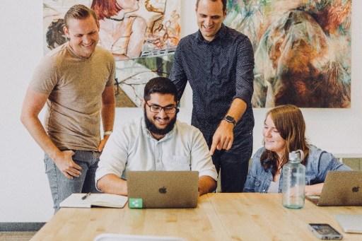 4 Cara Terbaik Untuk Bekerja Dengan Bahagia
