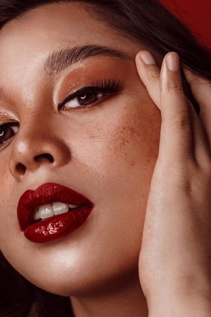 Cara Memerahkan Bibir dan Macam-Macam Bahan Alami