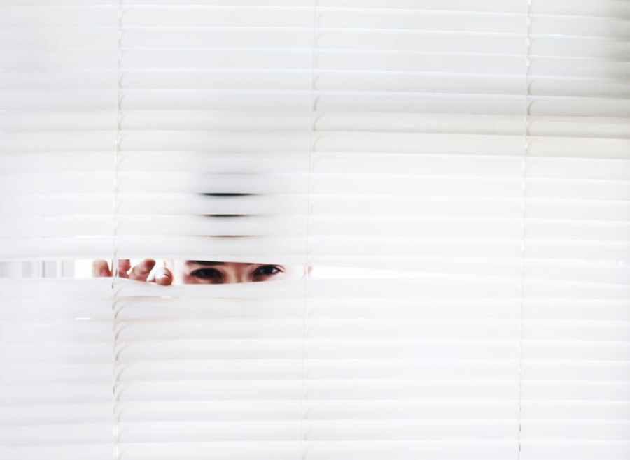 15 Ciri-ciri Orang Introvert, Sobat Pintar Punya Berapa?