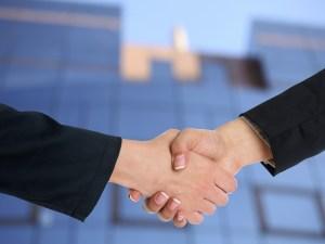 handshake, cooperation, partnership-3298455.jpg