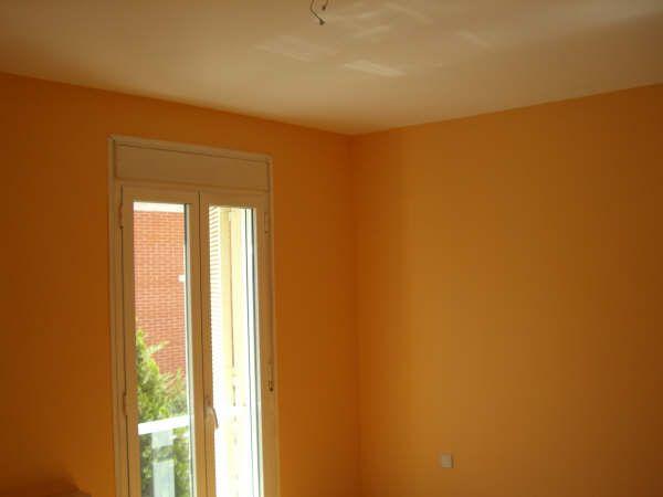 Habitacion Plastico Color Naranja 2