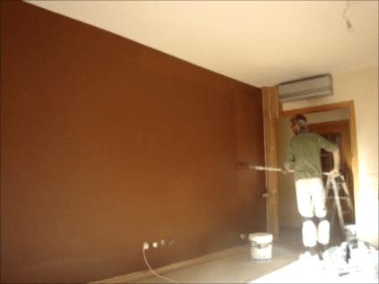 Aplicando esmalte pymacril color marron 6