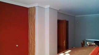 Plastico color gris claro y rojo (2)