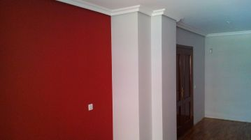 Plastico color gris claro y rojo (5)
