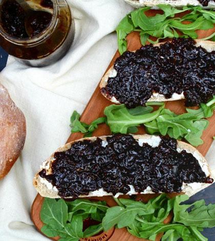 Craft Beer Appetizers: Drunken Balsamic Bacon Jam On Peppercorn Rye Ale Bread