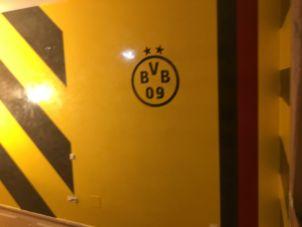 Estuco Veneciano Original a rayas amarillas y negras Borussia Dortmund (37)