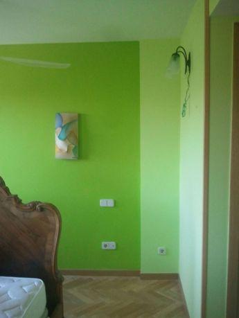 dormitorio verde oscuro y verde claro 2