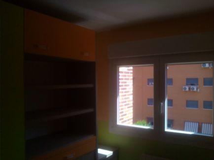 Habitacion Infantil Plastico Sideral Naranja y Esmalte Valacryl color verde con mueble (3)