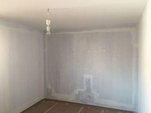 Arreglar rajas y primera mano de plastico sideral S-500 en techos y paredes (1)
