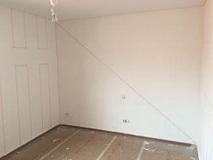 Colocación de cinta tesa rosa sobre lineas (3)