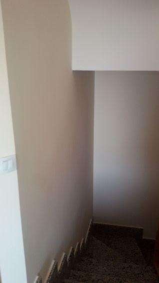 Entrada y Escaleras Plastico Liso Afinado con sideral S-500 Color Beige - Terminado (18)