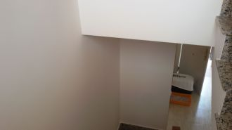 Entrada y Escaleras Plastico Liso Afinado con sideral S-500 Color Beige - Terminado (34)