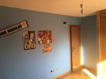 Estado de la Habitacion Paredes en plastico azul y esmalte azul oscuro (9)