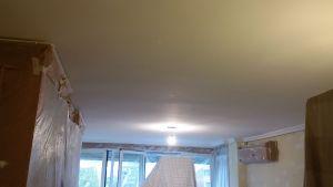 1ª mano de plastico y replastecido en techos y paredes (10)