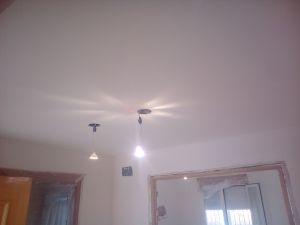 Aplicado 3 manos de Aguaplast en techo y paredes Entrada (3)
